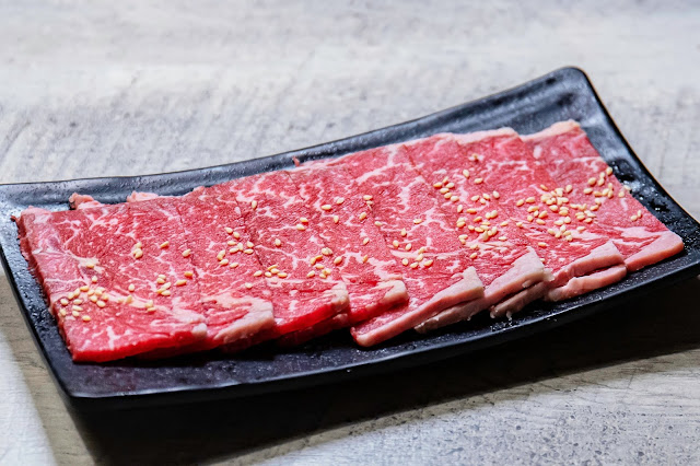 MG 3702 - 熱血採訪│台中人氣日式炭火燒肉吃到飽!限時加價不用百元就能享有和牛吃到飽,還有比臉大牛排任你吃
