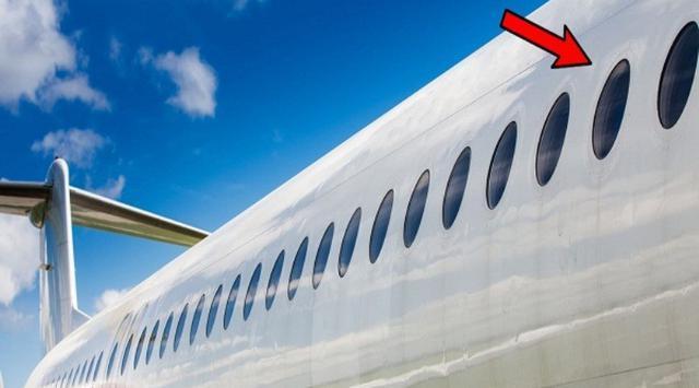 Jika Diperhatikan, Kenapa ya Jendela Pesawat Berbentuk Oval?