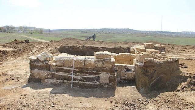 Crimea: Descubren una antigua cripta construida en la época de Alejandro Magno