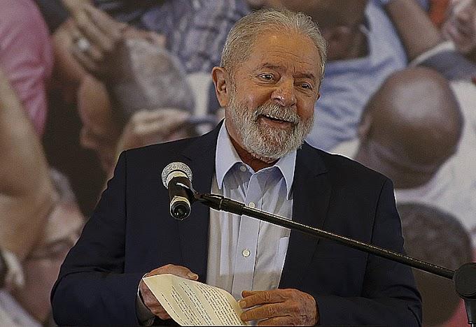 Lula venceria Bolsonaro por 51% a 32% se eleição fosse hoje, mostra pesquisa divulgada nesta 4ª