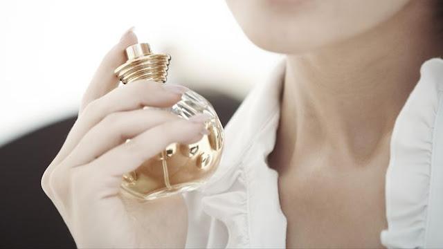 8 Trik agar Wangi Parfum Bertahan Lama