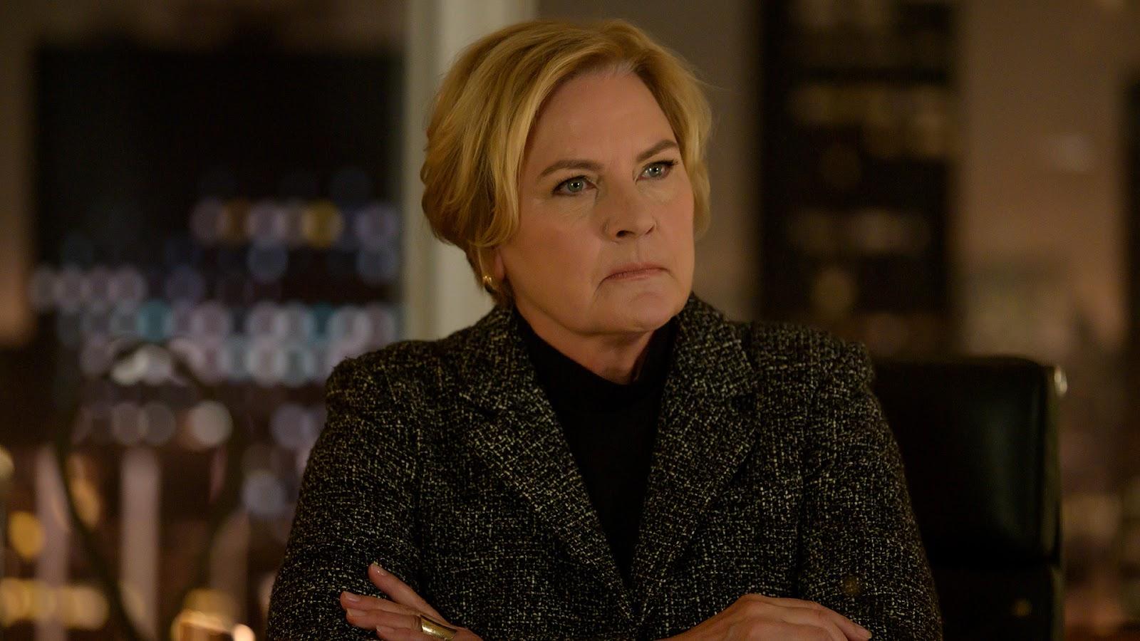 Faye, en la temporada 9 de Suits