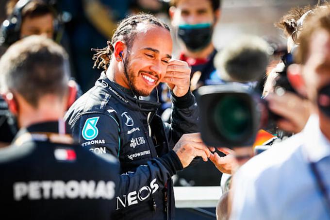 Hamilton ráerősít: több fekete versenyzőt a Forma-1-be