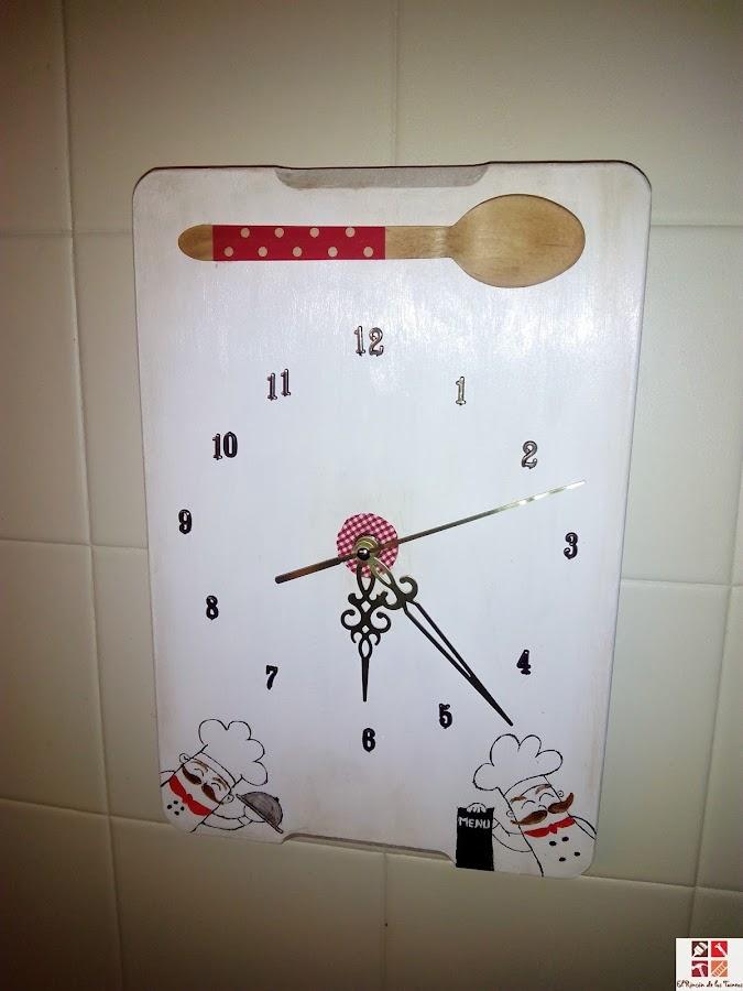 reloj de una tabla de cortar