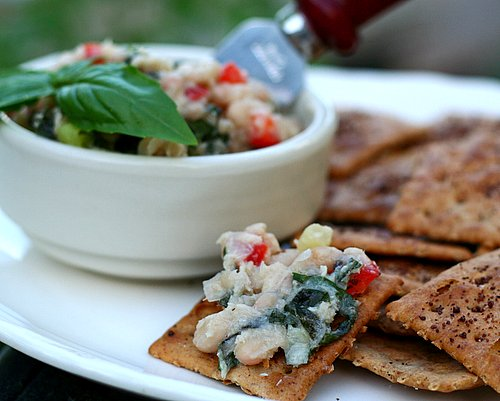 Tuna & White Bean Dip ♥ AVeggieVenture.com, a real crowd pleaser. Low Carb. High Protein. Naturally Gluten Free. Weight Watchers Friendly!