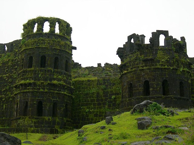 रायगढ़ किला इतिहास,पर्यटन,लढाई के बारे मे जानकारी