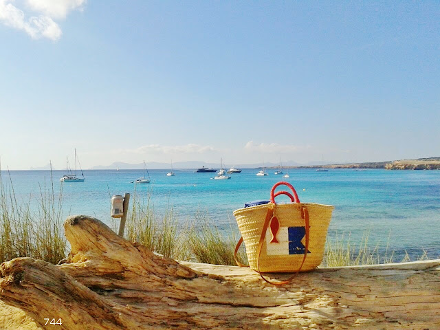 744-Cala-Sahona-Formentera-Sietecuatrocuatro-Capazos-Beach