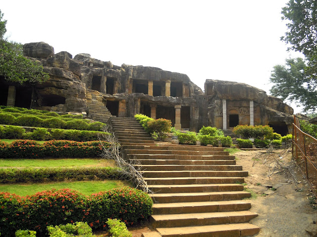 Entrance to the Udayagiri caves, Bhubaneshwar