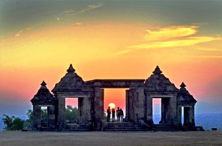 Wisata Isatana Ratu Boko Yogyakarta