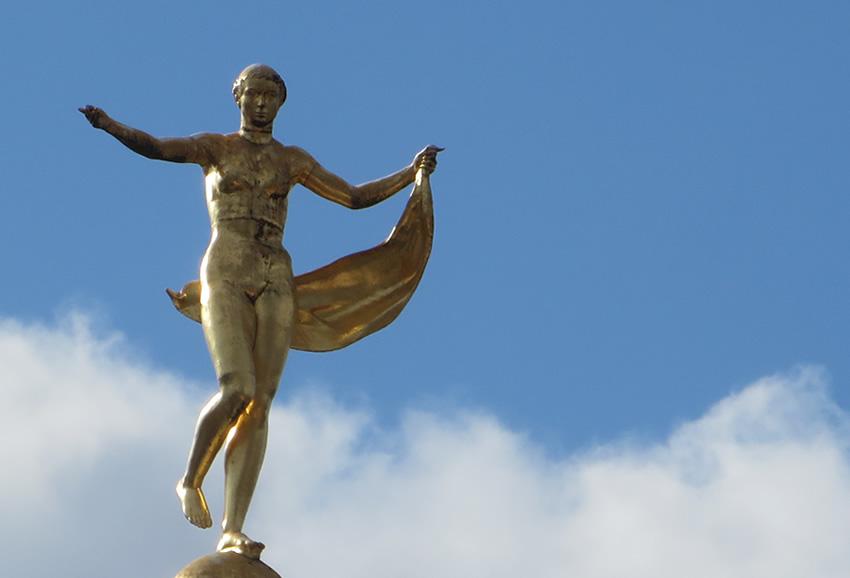 https://1.bp.blogspot.com/-xCuDaz-UH4c/X0eJqO5jhzI/AAAAAAAAAjk/lZoWxWdw5_k93TeW8zmznWcyajDgNgQ8QCLcBGAsYHQ/s850/fortuna-statue-schloss-charlottenburg-berlin.jpg
