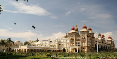 Book Domestic Holiday Packages of Bangalore , Mysore - Ooty at riya.travel with best air ticket deals.