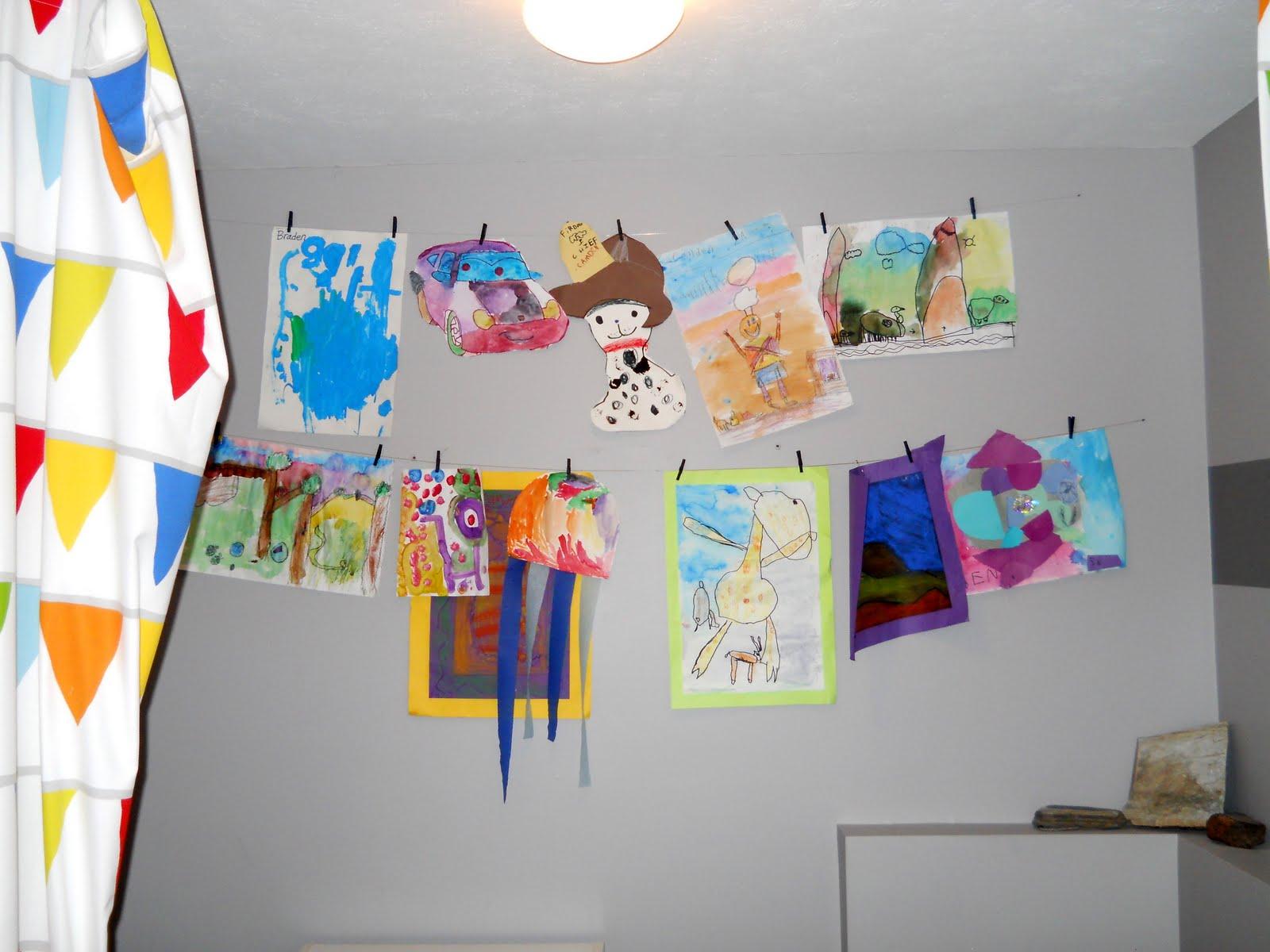 homey home design: Kid's Art Wall