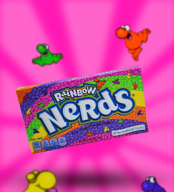 Nerds karkkipaketti. Pinkki tausta, nerds hahmot.
