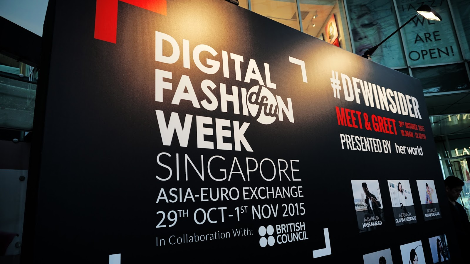 Z U L F A D I Digital Fashion Week Singapore 2015 Murad Indonesia It Is An Amalgamation Of And Technology Frontier That Expands Its Message About Not Only To Those Who Are There But Also