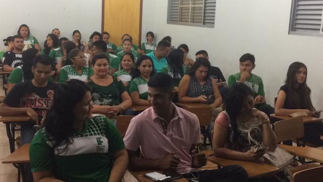 Alunos do Ifro participam de evento científico no Campus da UNIR