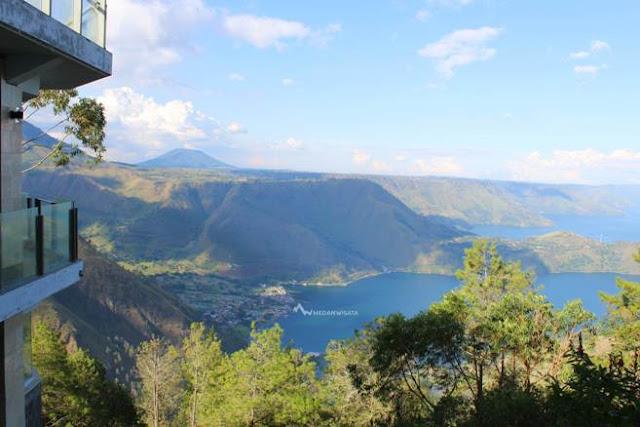 View danau toba dari Taman Simalem Resort