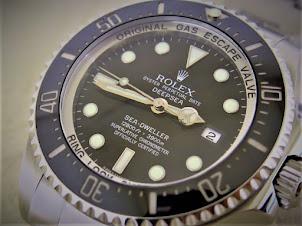 ROLEX DEEPSEA SEA DWELLER - ROLEX 116660 - LOCAL AD - V SERIES MINT CONDITION - FULLSET BOX PAPERS