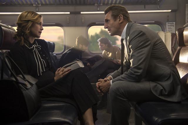Cizinec ve vlaku (The Commuter) – Recenze