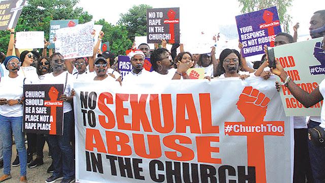 coza biodun fatoyinbo protest #Churchtoo