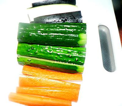 野菜は棒切り