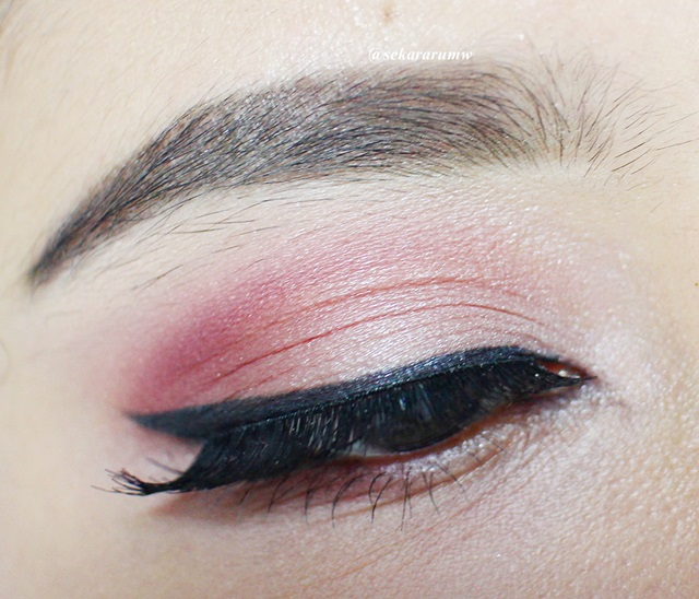 Racun Warna-Warni: [Eye Make Up Tutorial] Pinky Valentine