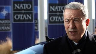 وزير الدفاع التركي يأكد عدم نية بلاده الانسحاب من نقاط المراقبة بإدلب