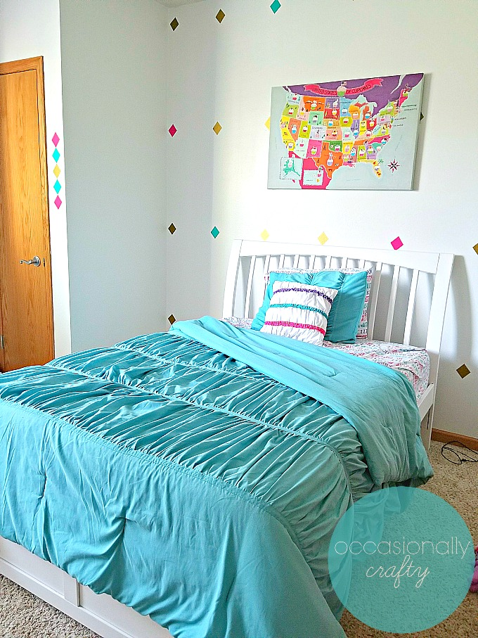 Pink And Teal Tween Girl S Bedroom Occasionally Crafty