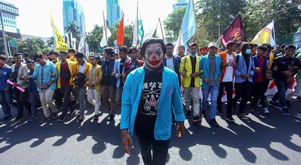 Di Tengah Euforia Pelantikan, BEM SI Ingatkan Utang Jokowi