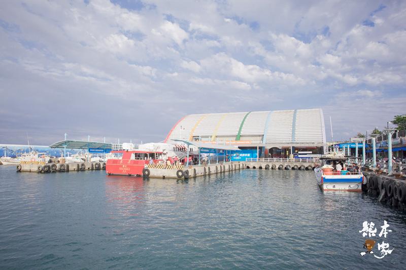 白沙尾觀光漁港|澎坊免稅商店|琉球郵局|琉球鄉公有零售市場|船屋 泰美旅店特色住宿