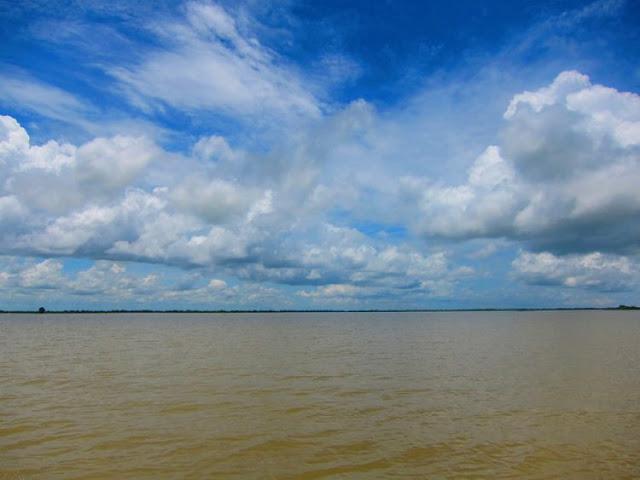 Lago Tonle Sap (10 km de Siem Reap)