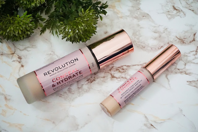 Review Makeup Revolution - Conceal & Hydrate Foundation