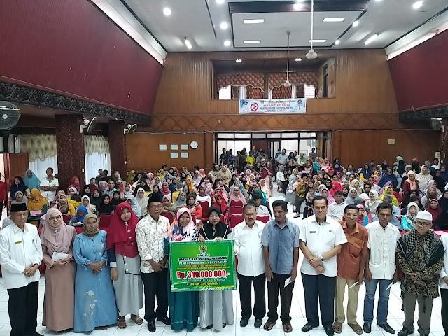 340 Orang Warga Padang Pariaman Terima Bantuan Modal Usaha BAZNAS