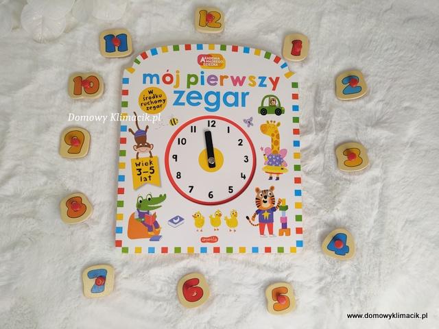 Akademia Mądrego Dziecka - MÓJ PIERWSZY ZEGAR - Kartonowa książeczka z ruchomymi wskazówkami zegara