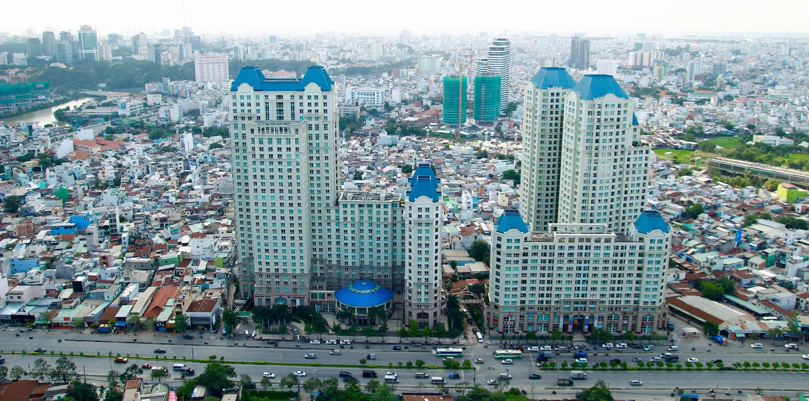 The Manor apartment is located on 91 Nguyen Huu Canh street, Binh Thanh district, Ho Chi Minh city