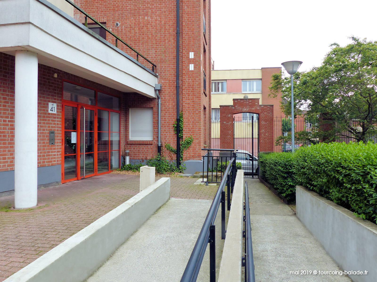 Rampe d'accès fauteuil roulant, Résidence Turenne, Tourcoing