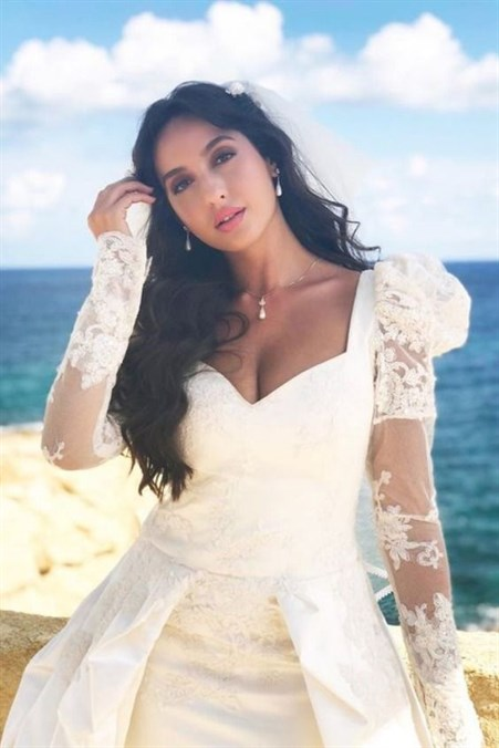 Nora Fatehi Cute and Lovely Photos