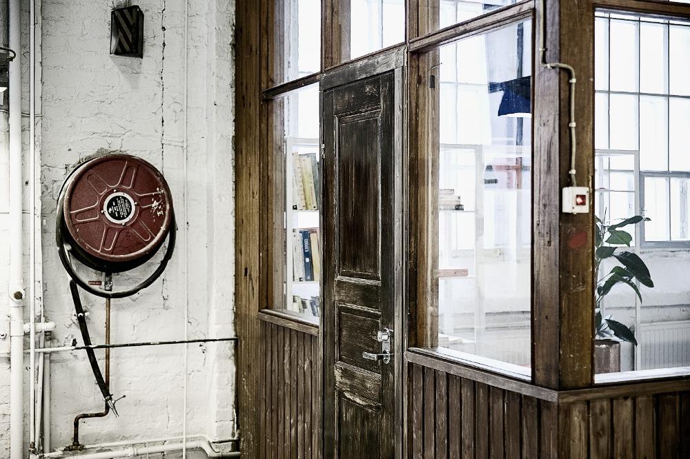 Konepajahalli, Telakkaranta, Vuotekno, valokuvaus, tehdashalli, Visuladdict, vuokratilat, Helsinki, valokuvaaja, Frida Steiner, photography, valokuvaus, arkkitehtuuri, vanha rakennus, halli, rouhea, vanha, telakka-alue, ranta, telakka, lifestylepuoti, sisustusliike, Hakola, Roomage, Vimma, blogi