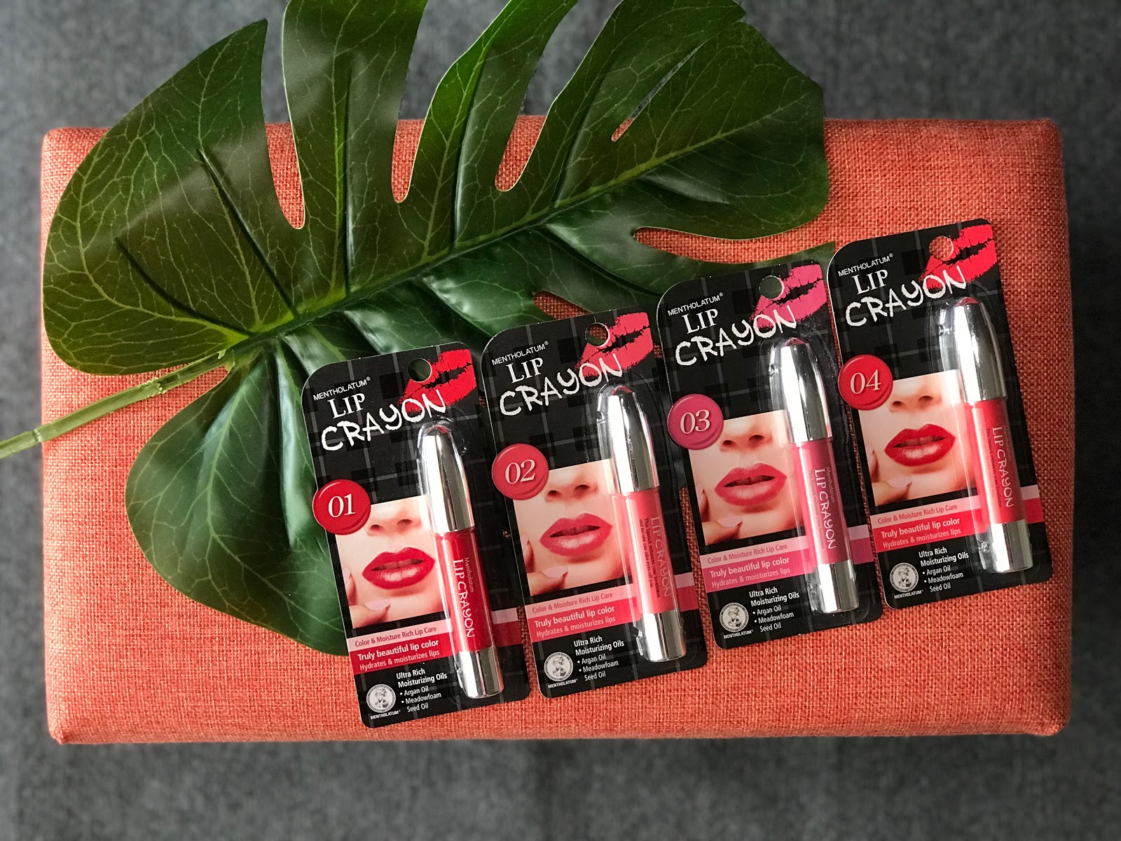 [Beauty Review] Mentholatum's New Lip Crayon Lip Balm Moisturises & Colours Your Lips