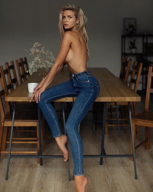 Russian Adult Model Nata Lee