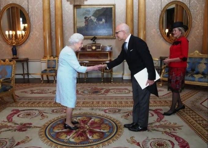 L'alta moda italiana di Michele Miglionico a Buckingham Palace
