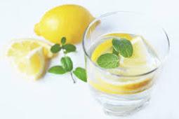 6 Manfaat Air Lemon untuk Pagi Hari Anda