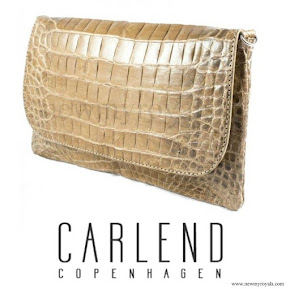 Crown-Princess Mary carried Carlend Copenhagen vanessa croco nature clutch