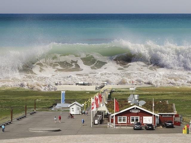 Contoh Teks Eksplanasi Tsunami beserta Strukturnya (Lengkap)