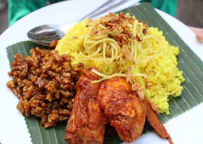Nasi kuning enak menu buka puasa