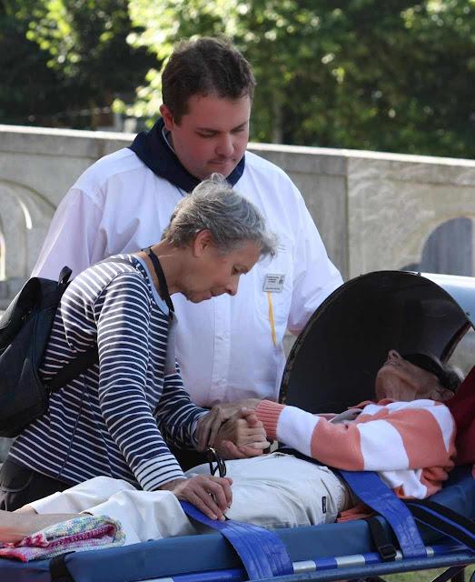 As misericórdias de Nossa Senhora em Lourdes não têm limites. Teremos nós pena e pediremos perdão por nossas faltas?