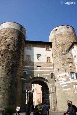 La Porta San Gervasio di Lucca è di epoca Medievale
