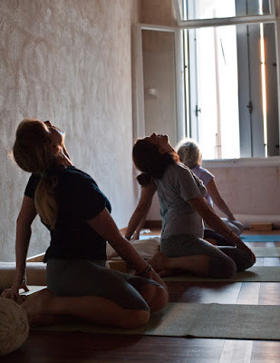 Yoga, embarazo, embarazada