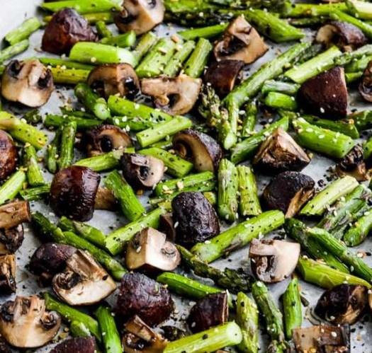 ROASTED ASPARAGUS AND MUSHROOMS WITH EVERYTHING BAGEL SEASONING #vegetarian #diet