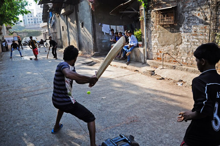 Крикет в городе Варанаси, Индия