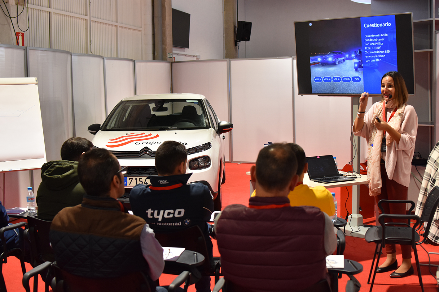 Philips anticipa el futuro de la iluminación en el Forum Conocimiento de Grupo Peña Automoción